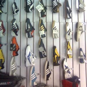 Разная спортивная обувь
