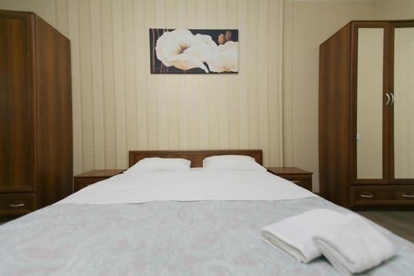 2-комнатная квартира посуточно,  Сарайшык 7Б 3