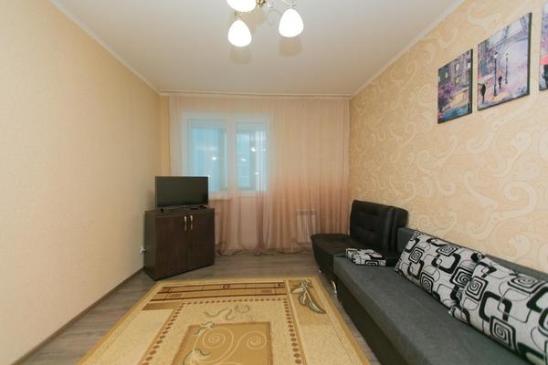 2-комнатная квартира посуточно,  Сарайшык 7Б 14