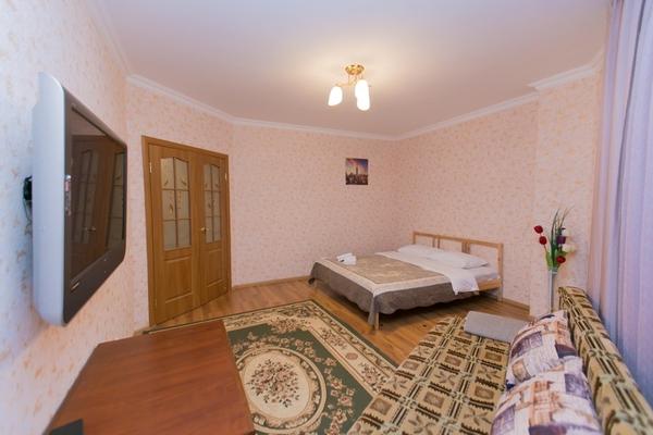 1-комнатная квартира посуточно,  Сарайшык 4