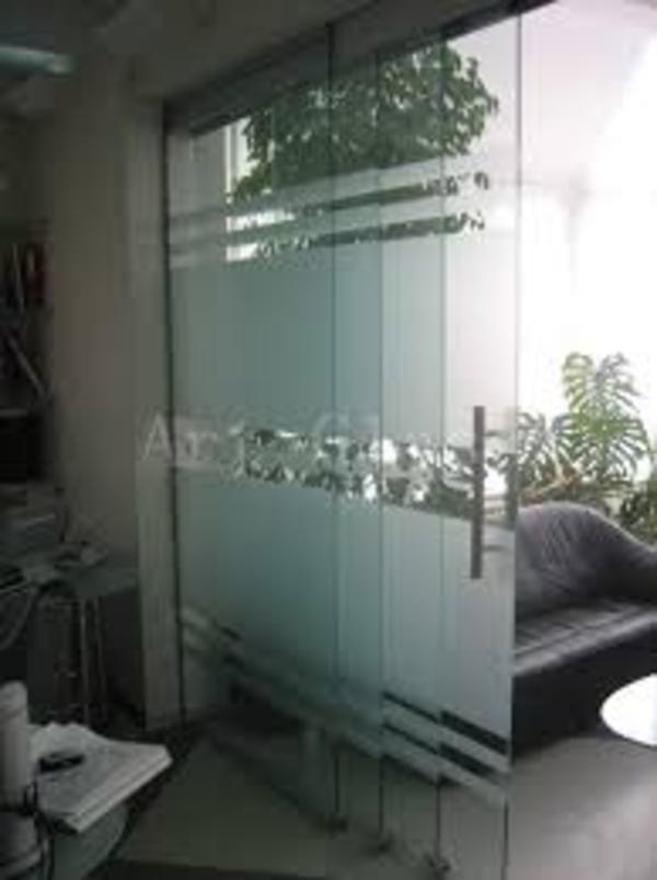 Цельно-стеклянные перегородки из стекла 2