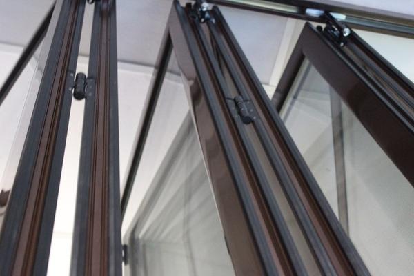 Алюминиевые раздвижные перегородки 5