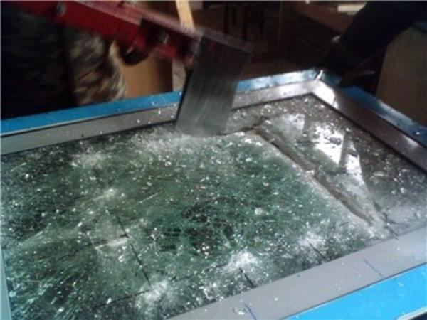 Бронированное стекло 3